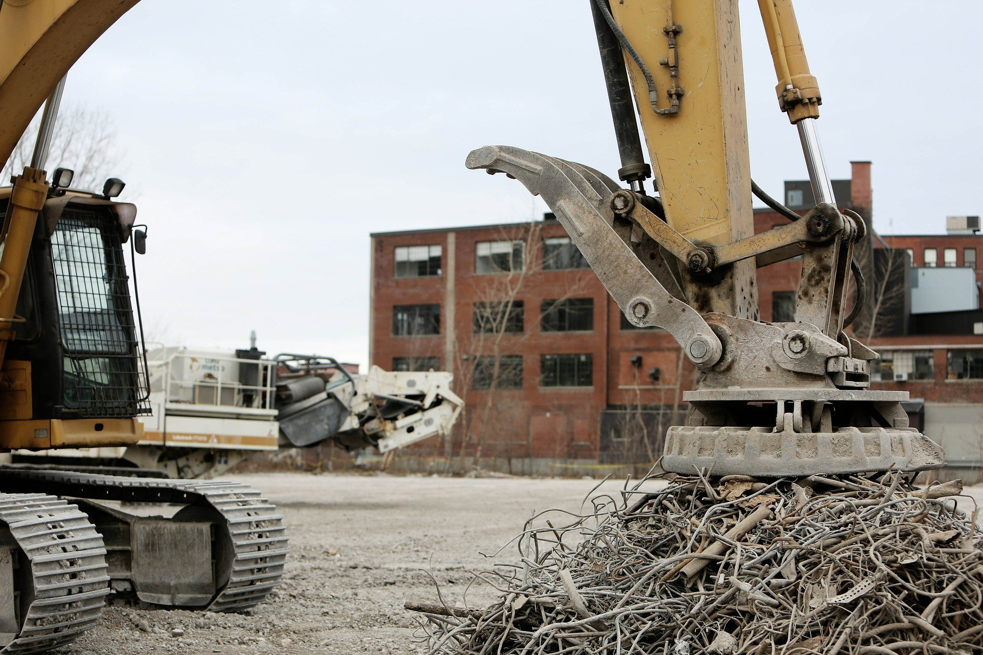 How Do You Dispose Of Construction Waste?